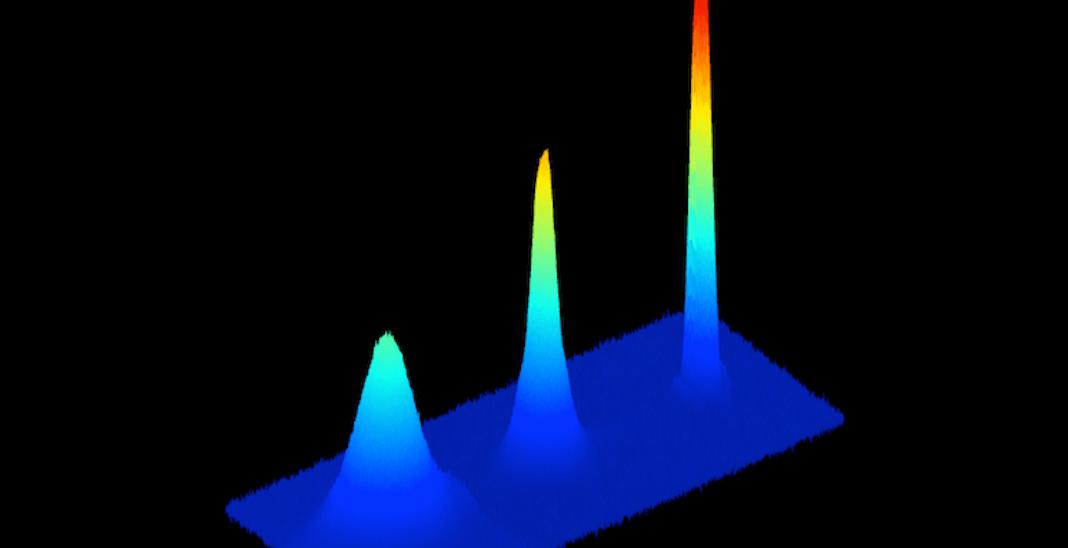 Bose-Einstein Condensate of StrontiumAtoms